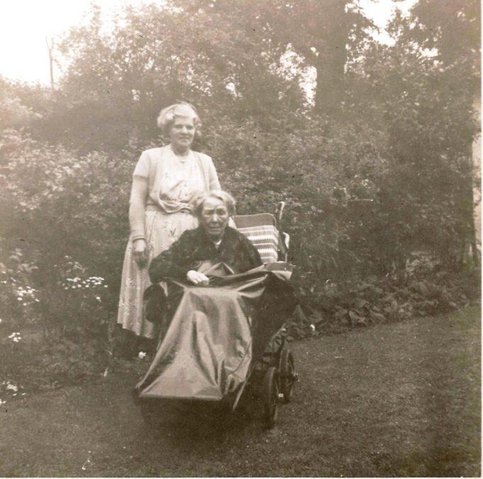 1954. Mrs Bartlett | Tom May
