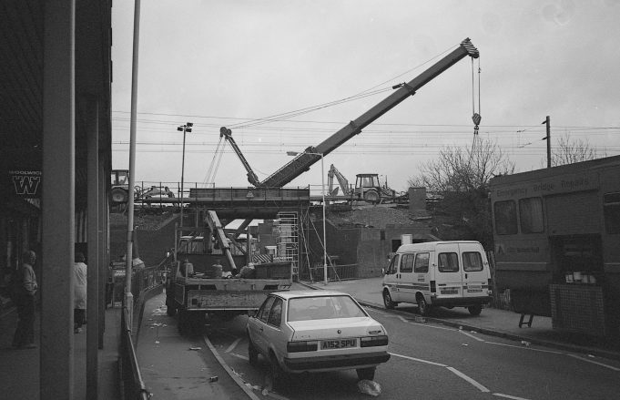 Building Wickford's new Railway Bridge | copyright Barry Wade