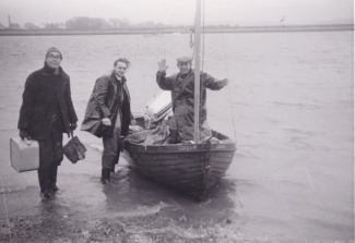 Alf Fairey, Roy Carter and Silva Carter arrive at Creeksea. | Geoff Fairey