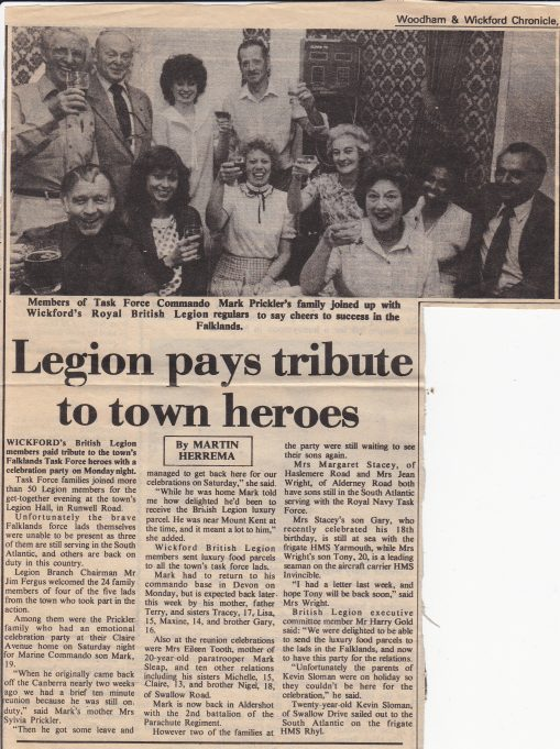 British Legion Pays Tribute to town heores