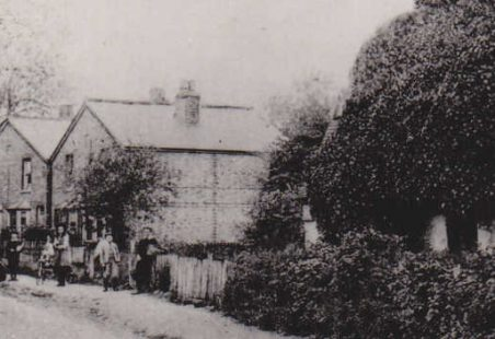 London Road, with Ivy Cottage on the right