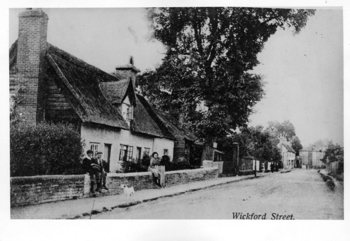 Wickford High Street- the thatched house was demolished to make way for the cinema