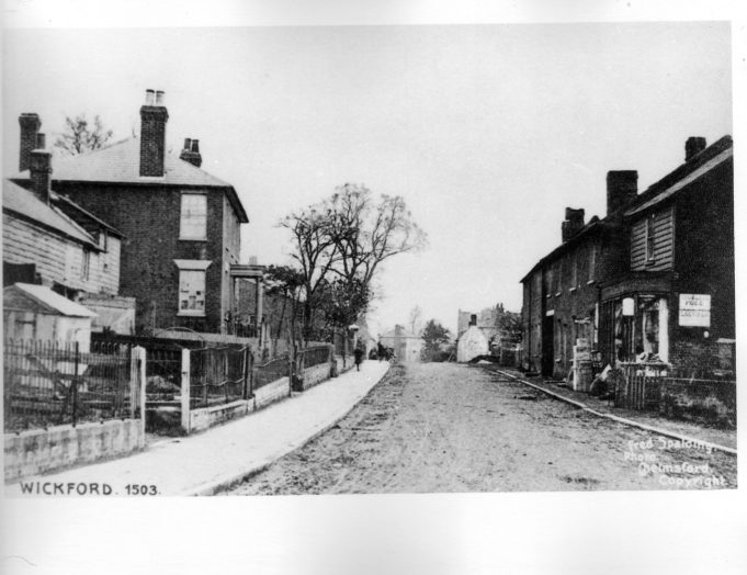 Wickford High Street-Towards the bridge