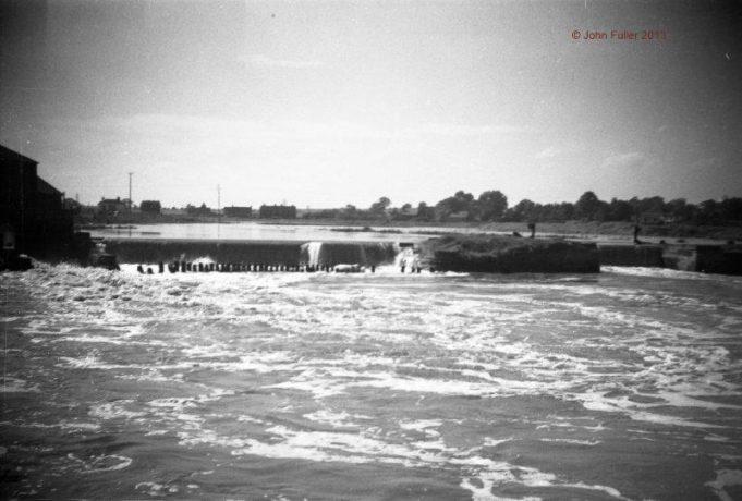 Battlesbridge Wickford Flood Water taken from the bridge   John Fuller ©
