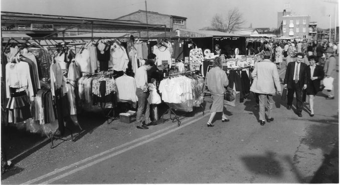 This picture is from March 1989. It shows the market on a Monday morning.