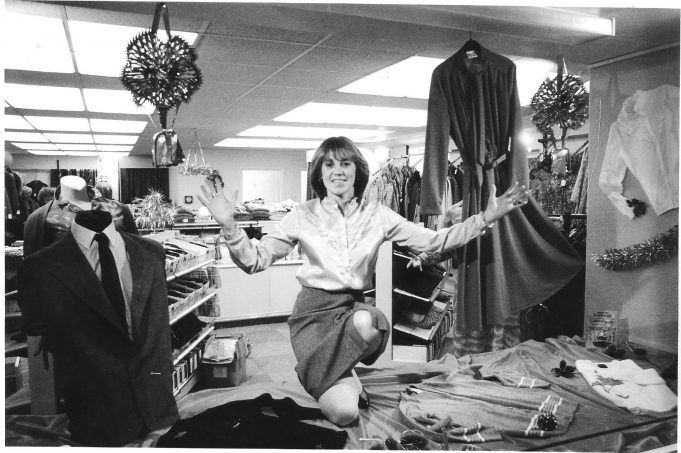 The new shop. (1982).